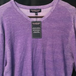 RoundTree and Yourke men's sweater